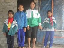 Xót xa người đàn bà nuôi 3 con nhỏ giữa nghĩa địa