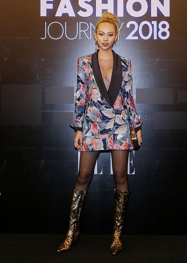 Thử đổi phong cách, Mỹ Tâm dắt tay Phượng Chanel đứng đầu danh sách SAO MẶC XẤU tuần qua-7