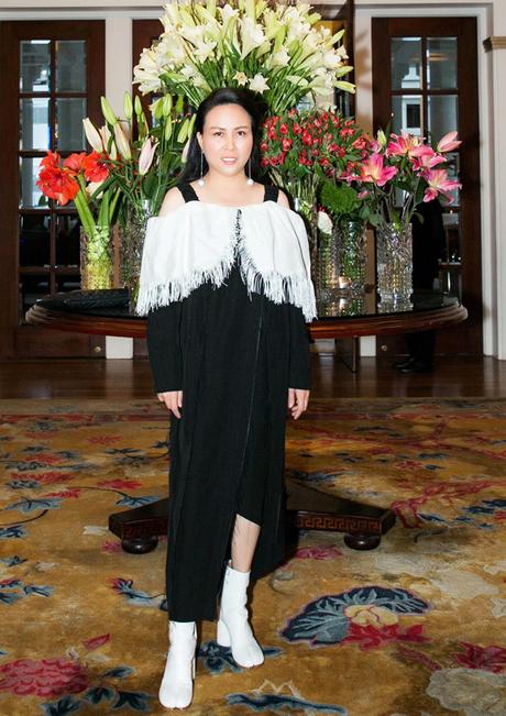 Thử đổi phong cách, Mỹ Tâm dắt tay Phượng Chanel đứng đầu danh sách SAO MẶC XẤU tuần qua-8
