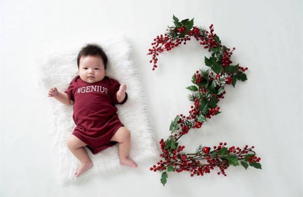 Vợ chồng Lê Khánh thực hiện bộ ảnh ý nghĩa trong lần đầu tiên con trai được đón Noel-5