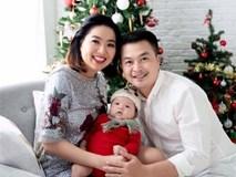 Vợ chồng Lê Khánh thực hiện bộ ảnh ý nghĩa trong lần đầu tiên con trai được đón Noel