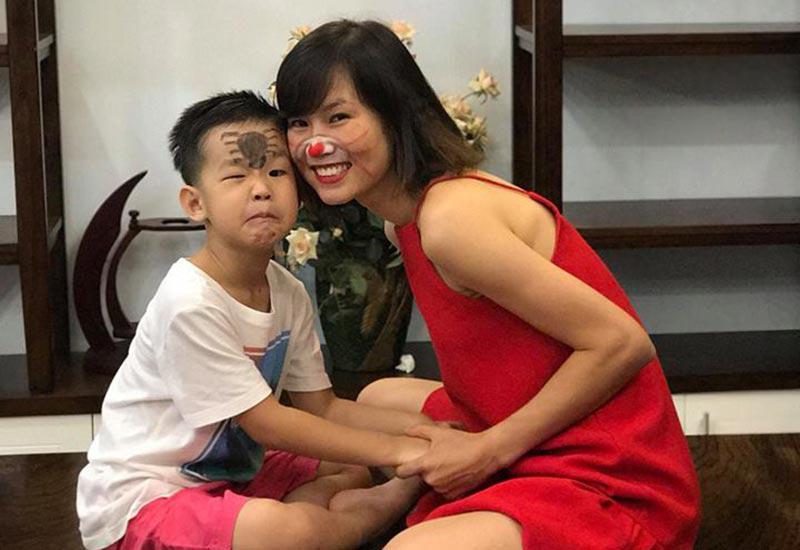 Rời sân cỏ, cảnh làm mẹ của hotgirl làng bóng, Quả bóng vàng Việt 2008 ra sao sau 10 năm?-8