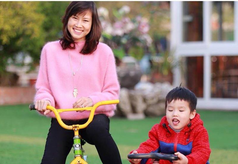 Rời sân cỏ, cảnh làm mẹ của hotgirl làng bóng, Quả bóng vàng Việt 2008 ra sao sau 10 năm?-19