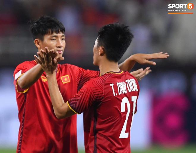 Gặp anh chàng sơ vin Đình Trọng sau AFF Cup: Điều buồn nhất là sẽ phải xa bóng đá rất lâu-16
