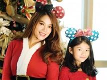 Trương Ngọc Ánh khoe vẻ gợi cảm, đón Giáng sinh sớm cùng con gái Bảo Tiên