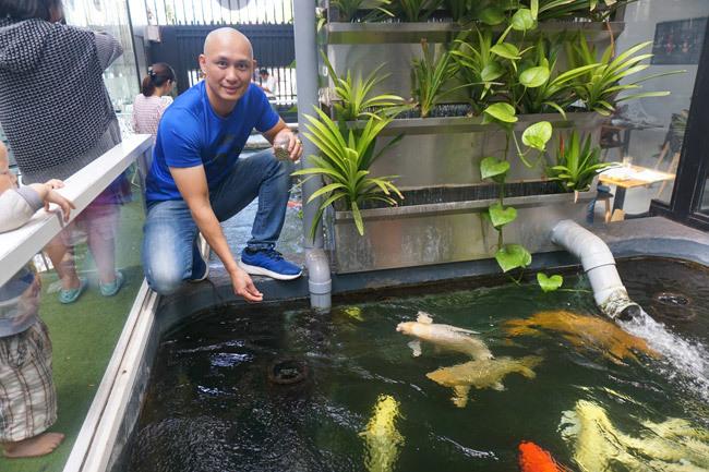 Ngắm hồ cá Koi tiền tỷ của dân chơi phố Núi-5