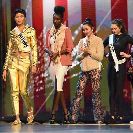 HHen Niê và Hồ Ngọc Hà, khi Hoa hậu bình dân đụng hàng biểu tượng thời trang-4