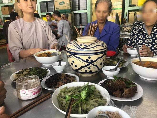 Xôn xao thông tin người đẹp Hoa hậu Việt Nam lấy chồng sau hơn 2 tháng tuyên bố đi tu-3