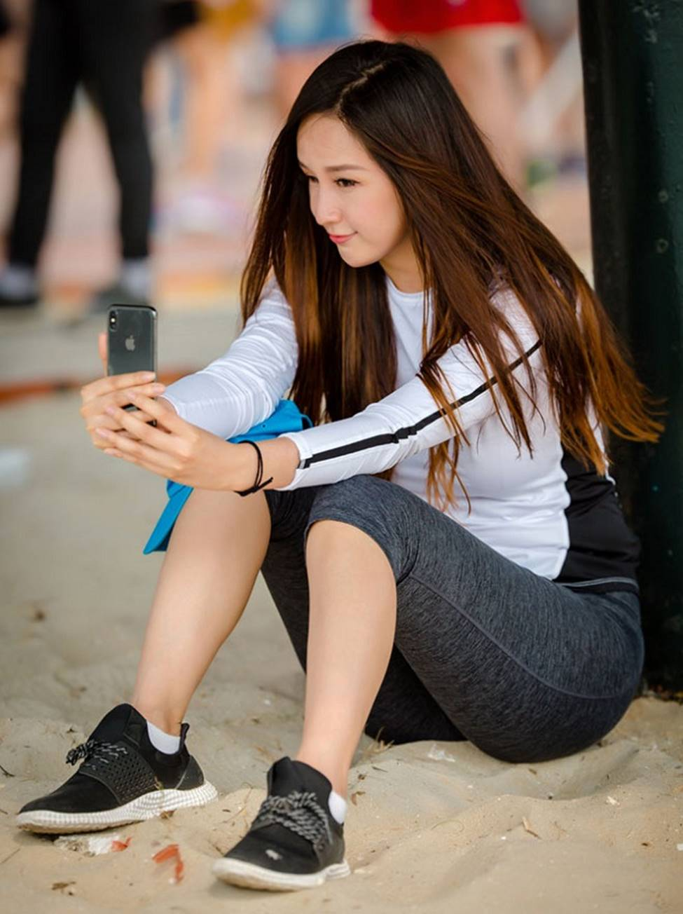 Mai Phương Thúy, Phi Thanh Vân lộ mỡ vì quần áo gợi cảm nhưng phản chủ-3
