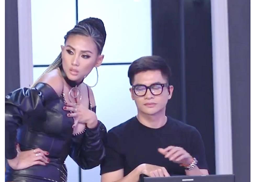 Mai Phương Thúy, Phi Thanh Vân lộ mỡ vì quần áo gợi cảm nhưng phản chủ-6