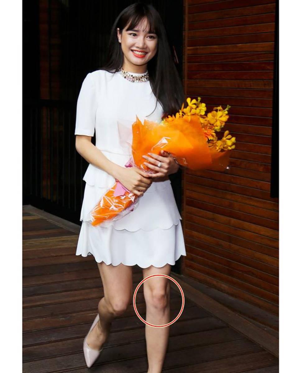 Mai Phương Thúy, Phi Thanh Vân lộ mỡ vì quần áo gợi cảm nhưng phản chủ-12