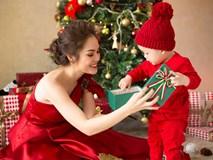 Dương Cẩm Lynh và con trai 2 tuổi chụp ảnh Giáng sinh