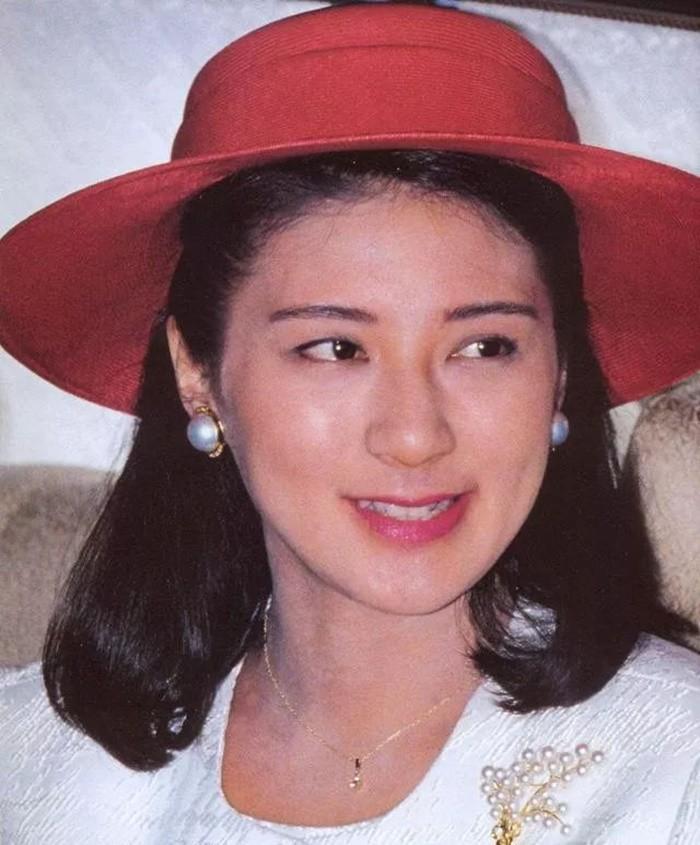 Masako - Công nương xinh đẹp của Hoàng gia Nhật Bản: Nỗi sầu nhung lụa của con chim quý bị nhốt chặt trong lồng son-5