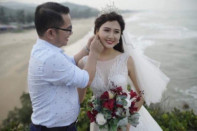 Ảnh hiếm thí sinh HHVN 2014 từng cạo đầu đi tu đội tóc giả, rạng rỡ trong đám cưới với chồng đại gia-2