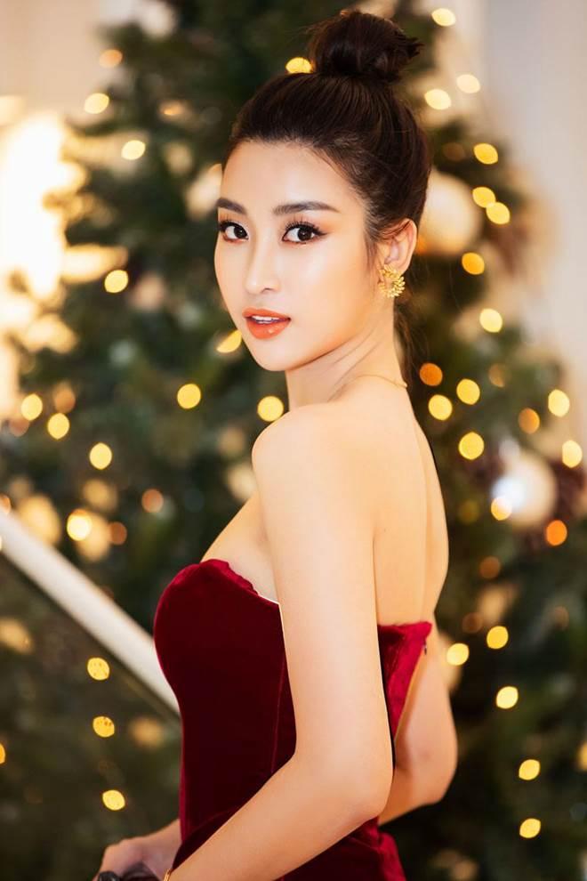 Không còn là Hoa hậu nghèo nhất VBiz, Đỗ Mỹ Linh mang trang sức tiền tỷ thắp sáng thảm đỏ-1