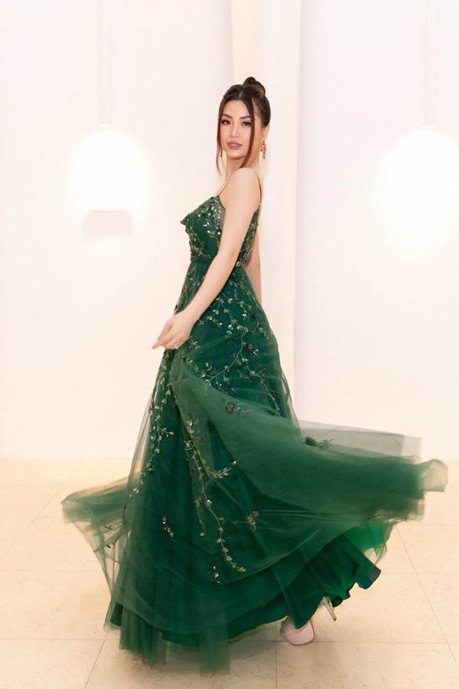 Không còn là Hoa hậu nghèo nhất VBiz, Đỗ Mỹ Linh mang trang sức tiền tỷ thắp sáng thảm đỏ-10