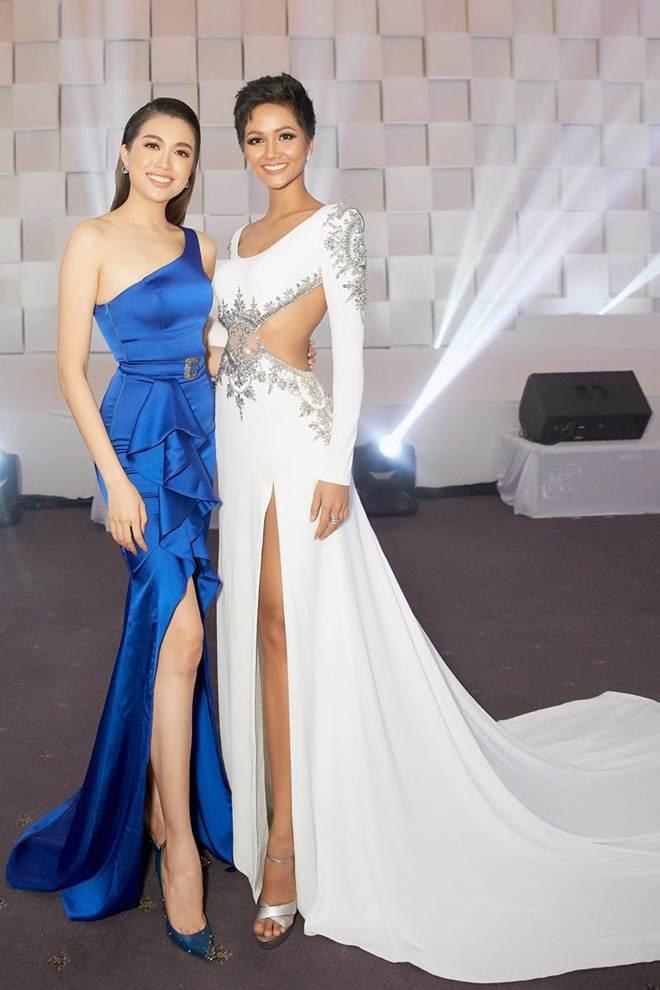 Không còn là Hoa hậu nghèo nhất VBiz, Đỗ Mỹ Linh mang trang sức tiền tỷ thắp sáng thảm đỏ-12