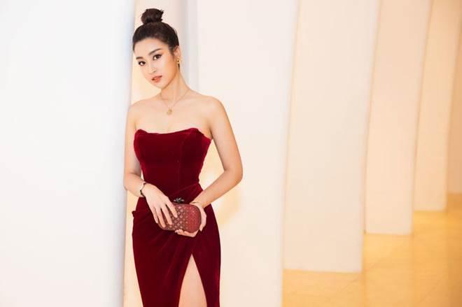 Không còn là Hoa hậu nghèo nhất VBiz, Đỗ Mỹ Linh mang trang sức tiền tỷ thắp sáng thảm đỏ-2