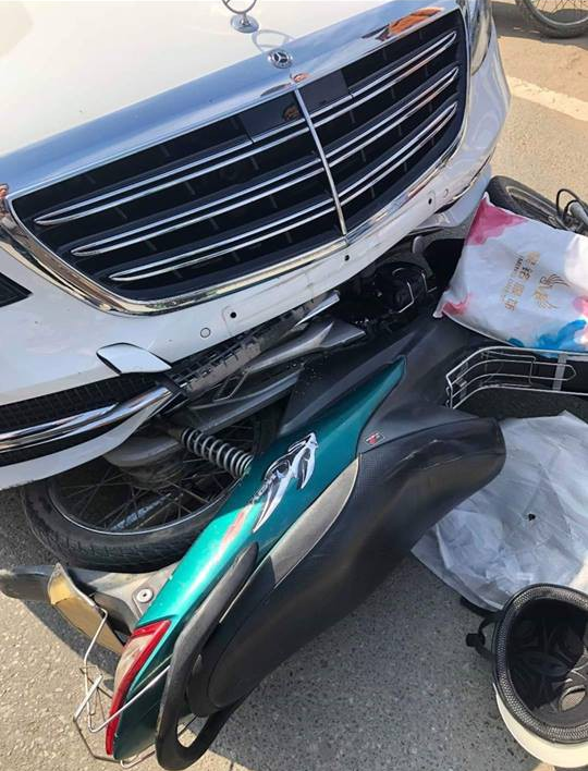 Đâm Mercedes mới, tài xế Grab sợ đến mức tim nhảy ra ngoài và hành xử đáng nể của chủ xe-2