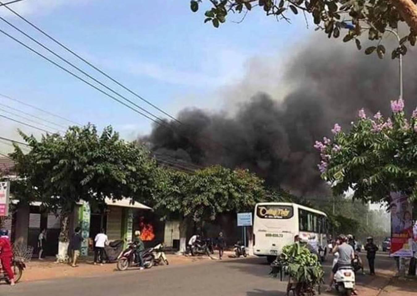 Vụ cháy nhà hàng 6 người chết: Các nạn nhân không có lối thoát-4