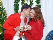 Ngọc Anh tình tứ cùng bạn trai tin đồn ít tuổi trong bộ ảnh Giáng sinh