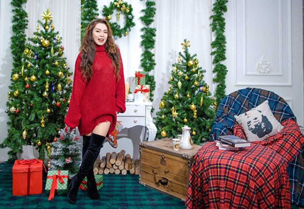 Ngọc Anh tình tứ cùng bạn trai tin đồn ít tuổi trong bộ ảnh Giáng sinh-12