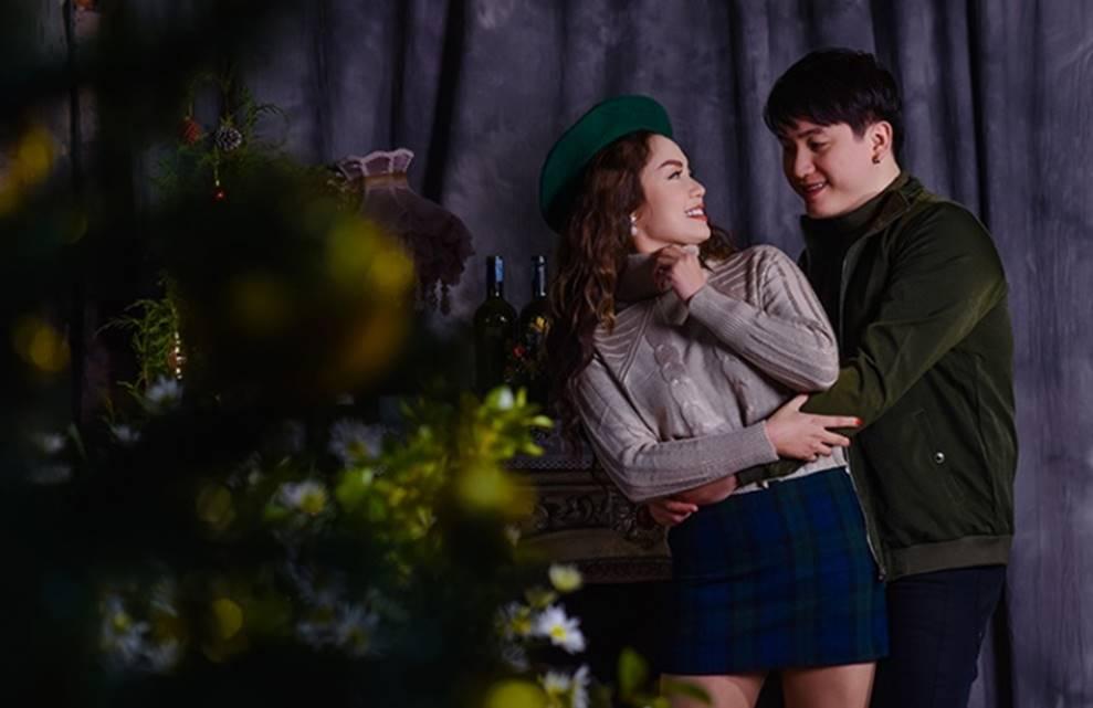 Ngọc Anh tình tứ cùng bạn trai tin đồn ít tuổi trong bộ ảnh Giáng sinh-7
