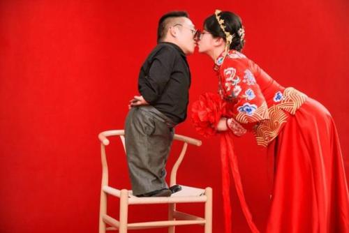 Vượt qua mọi rào cản, cô gái Trung Quốc quyết lấy chồng cao 90cm khiến cả MXH xôn xao-3