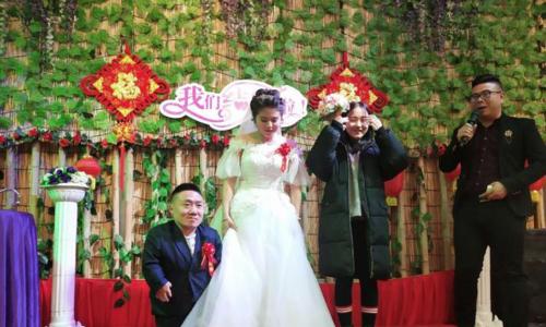 Vượt qua mọi rào cản, cô gái Trung Quốc quyết lấy chồng cao 90cm khiến cả MXH xôn xao-4