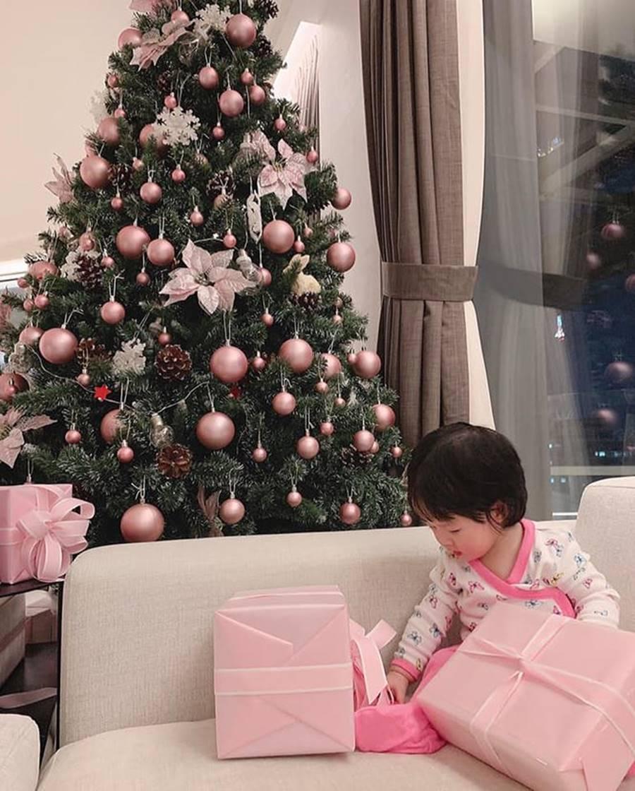 Sao Việt nô nức trang hoàng nhà cửa chờ đón Giáng sinh-2