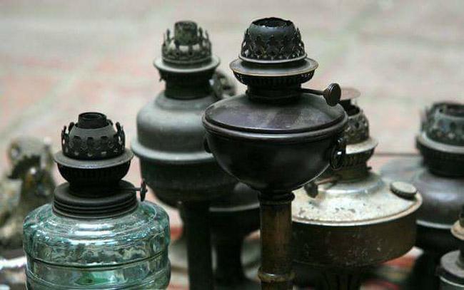 Thế giới đèn dầu cổ giá vài chục triệu được dân chơi ráo riết săn lùng-2