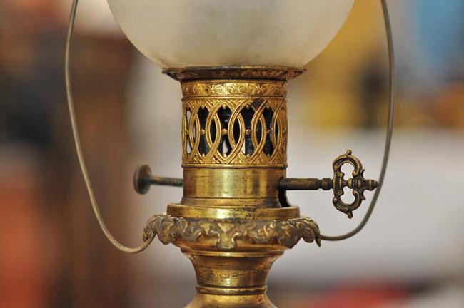Thế giới đèn dầu cổ giá vài chục triệu được dân chơi ráo riết săn lùng-10