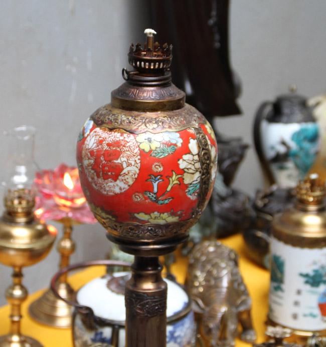 Thế giới đèn dầu cổ giá vài chục triệu được dân chơi ráo riết săn lùng-11