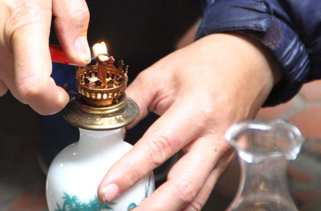 Thế giới đèn dầu cổ giá vài chục triệu được dân chơi ráo riết săn lùng-4
