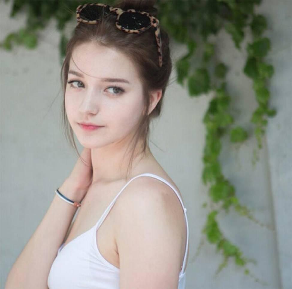 Cô gái Nga khiến giới trẻ châu Á mê mệt, được ví tiên nữ hạ thế-10