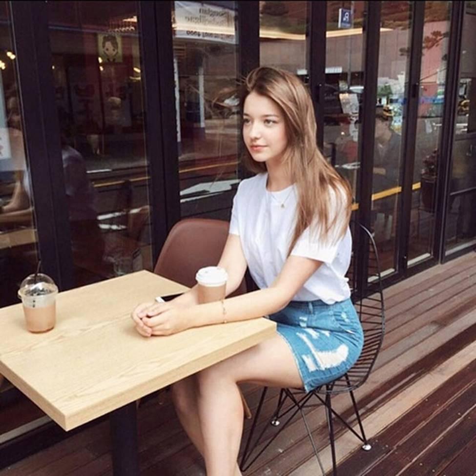 Cô gái Nga khiến giới trẻ châu Á mê mệt, được ví tiên nữ hạ thế-4