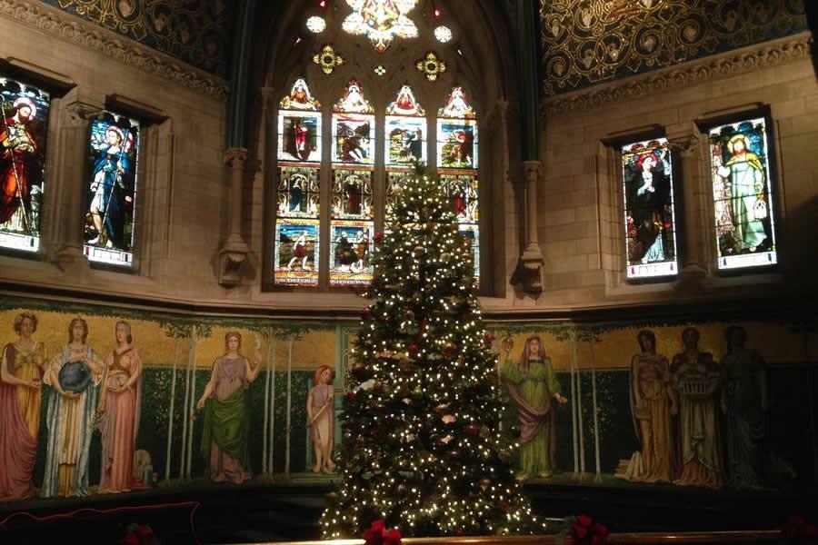 Choáng ngợp khung cảnh Noel ở các trường ĐH: Con nhà giàu sướng thật, đón Giáng sinh cũng chảnh hơn người!-4