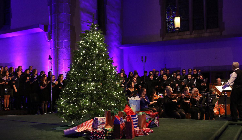 Choáng ngợp khung cảnh Noel ở các trường ĐH: Con nhà giàu sướng thật, đón Giáng sinh cũng chảnh hơn người!-8
