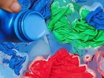 """4 thói quen dùng nước xả vải như """"bơm"""" hóa chất vào người, nhà nào cũng mắc"""