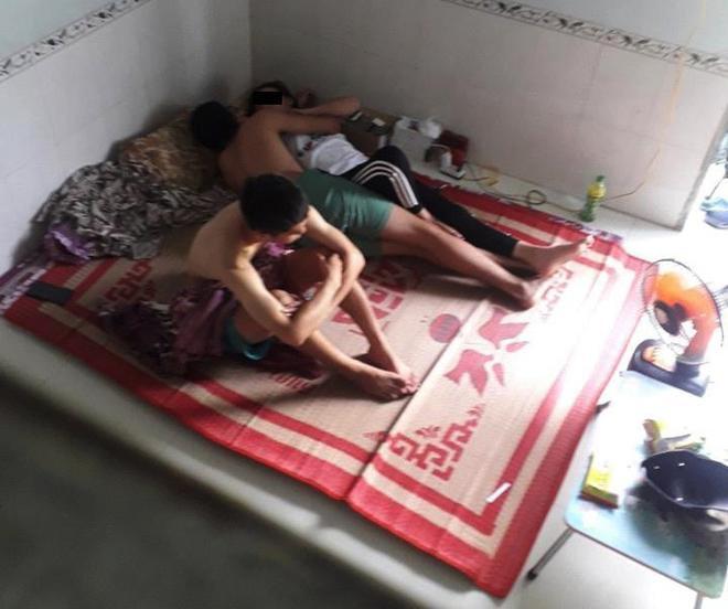 Đôi trai gái nằm ôm hôn trên giường mặc bạn thân ngồi cạnh, câu chuyện khiến nhiều người bức xúc-1