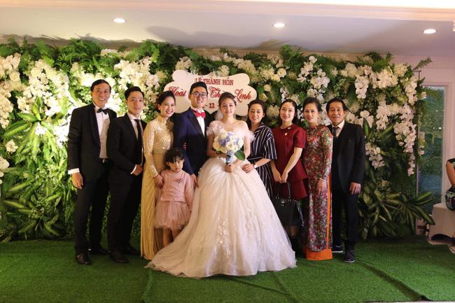 """Con trai NS Lan Hương làm đám cưới dù từng lo ế"""" vì mẹ gắn mác mẹ chồng khó tính, nhan sắc cô dâu gây bất ngờ-3"""