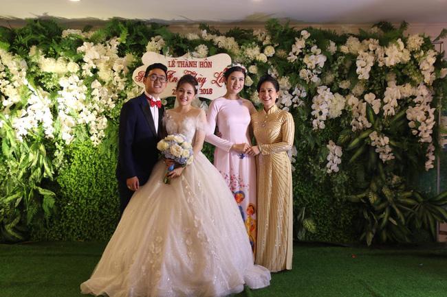 """Con trai NS Lan Hương làm đám cưới dù từng lo ế"""" vì mẹ gắn mác mẹ chồng khó tính, nhan sắc cô dâu gây bất ngờ-5"""