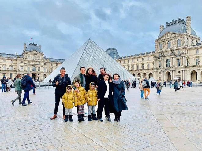 Kim Lý hôn Hồ Ngọc Hà đắm đuối dưới tháp Eiffel-3