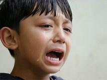 Thay vì quát im lặng, cha mẹ nói gì khi trẻ khóc để con không tổn thương?