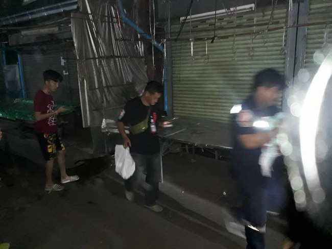 Bé trai 2 tuần tuổi bị bỏ lại giữa chợ trong đêm khuya vắng, cảnh sát điều tra ngỡ ngàng khi biết nguyên nhân-4