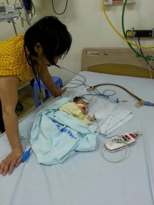Sau tiếng thở mạnh, con trai phải cấp cứu, chồng tật nguyền hằng ngày dìu vợ đi tiếp sữa-3