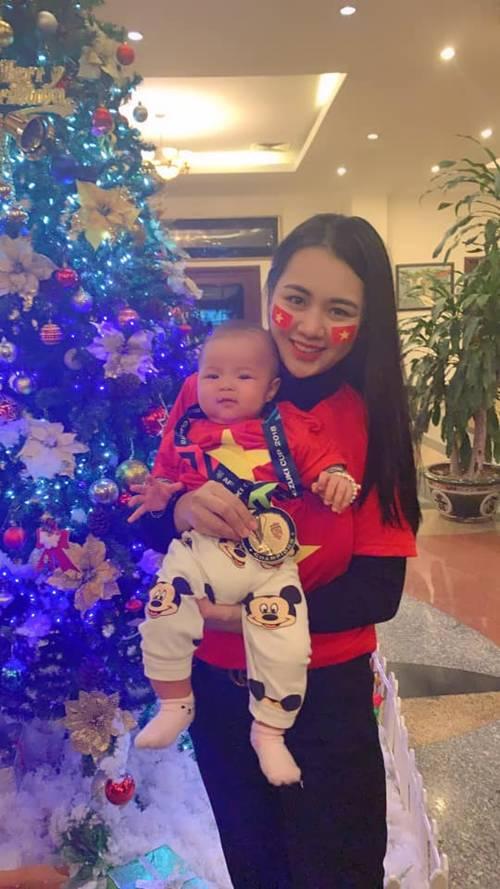 Hoa khôi ĐH Vinh sinh con cho Quế Ngọc Hải, tiết lộ: Giờ bỉm sữa ngày không ai nhắn tin-2
