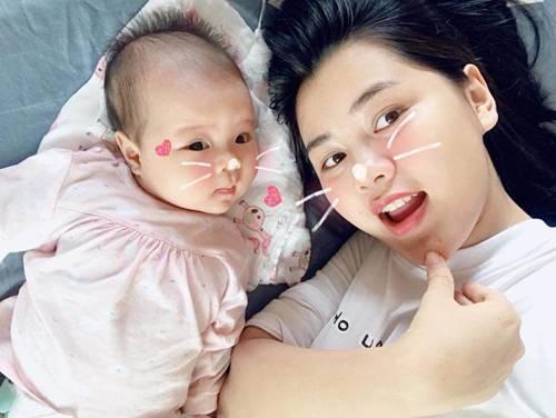 Hoa khôi ĐH Vinh sinh con cho Quế Ngọc Hải, tiết lộ: Giờ bỉm sữa ngày không ai nhắn tin-3