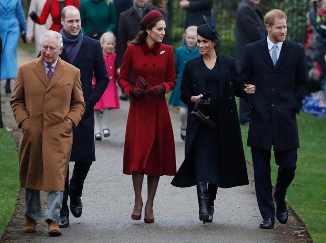 Kate và em dâu Meghan mặt đối mặt dự lễ Giáng Sinh và đây là cách họ trả lời cho tin đồn mâu thuẫn-5