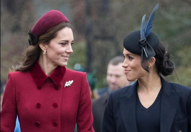 Kate và em dâu Meghan mặt đối mặt dự lễ Giáng Sinh và đây là cách họ trả lời cho tin đồn mâu thuẫn-6